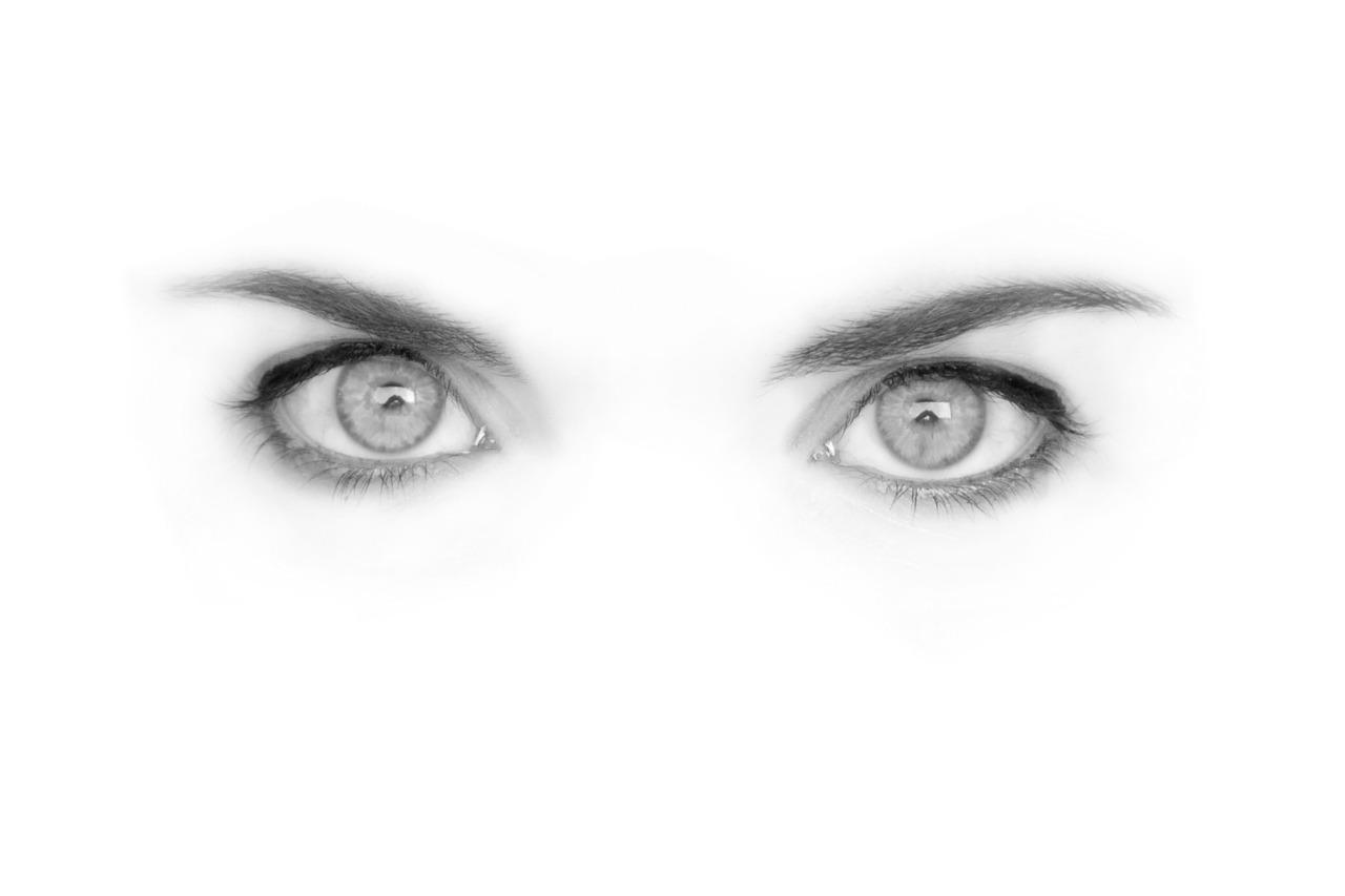 Krásne kreslené oči