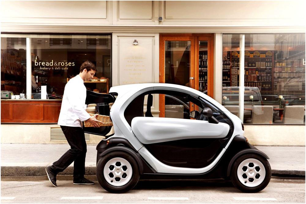 Podobným nápadom je aj mini elektrická dodávka Renault Twizy