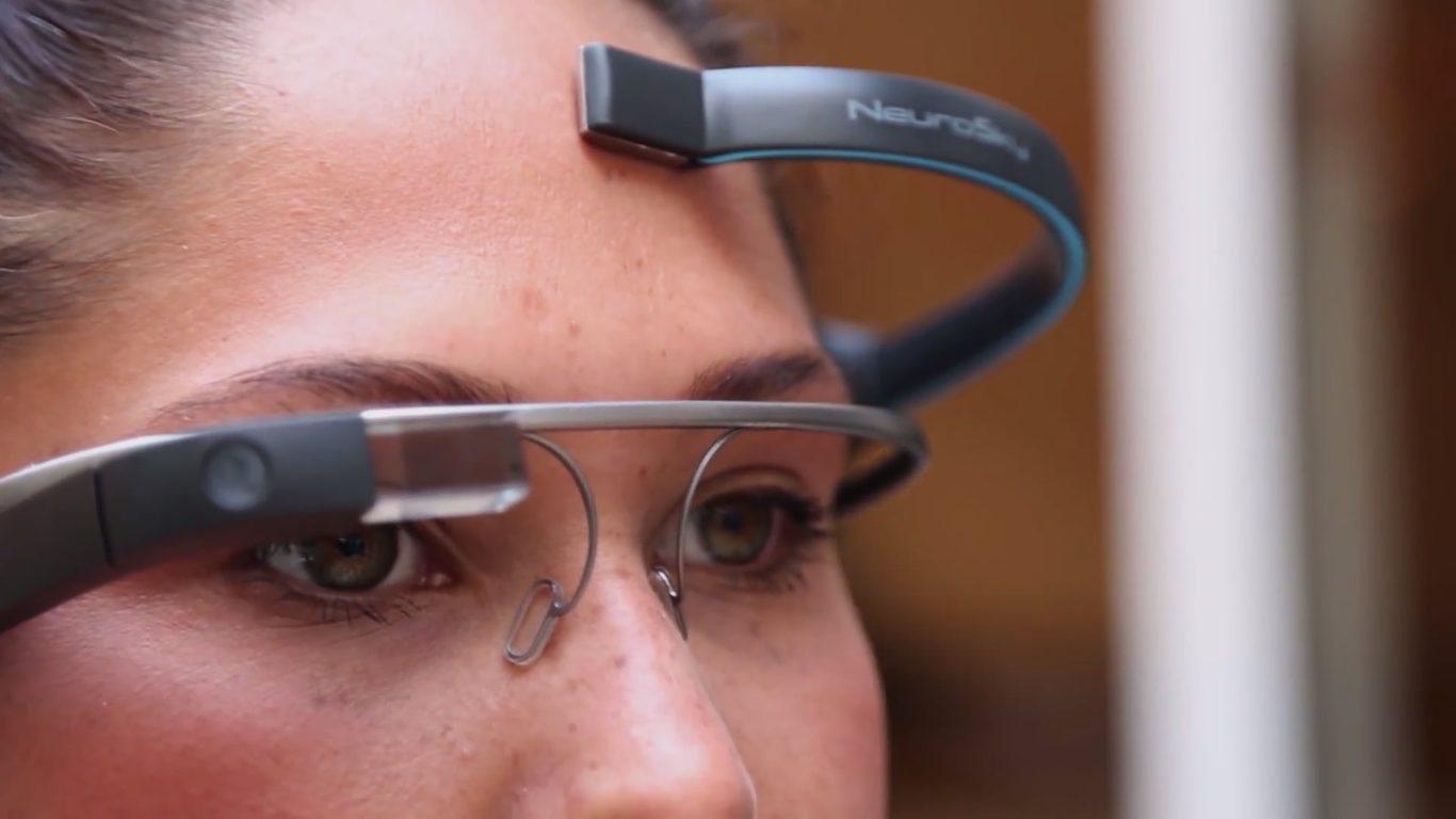 500d54ee3 Ovládať Google Glass prostredníctvom myšlienok?