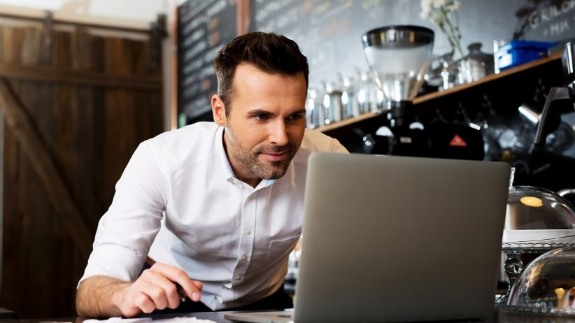 20151020164526-small-business-owner-on-laptop