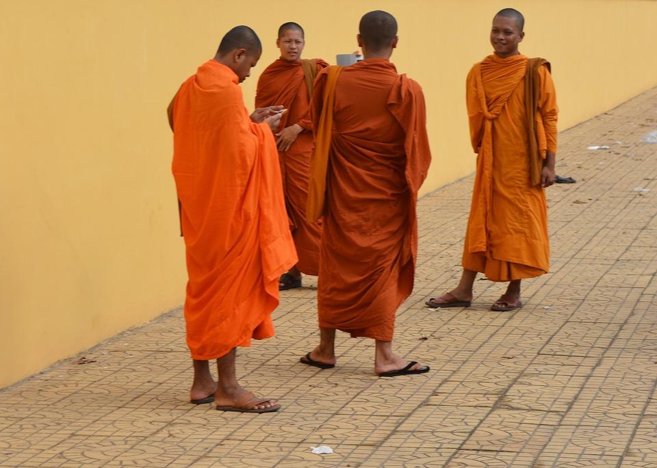 monks-975366_960_720