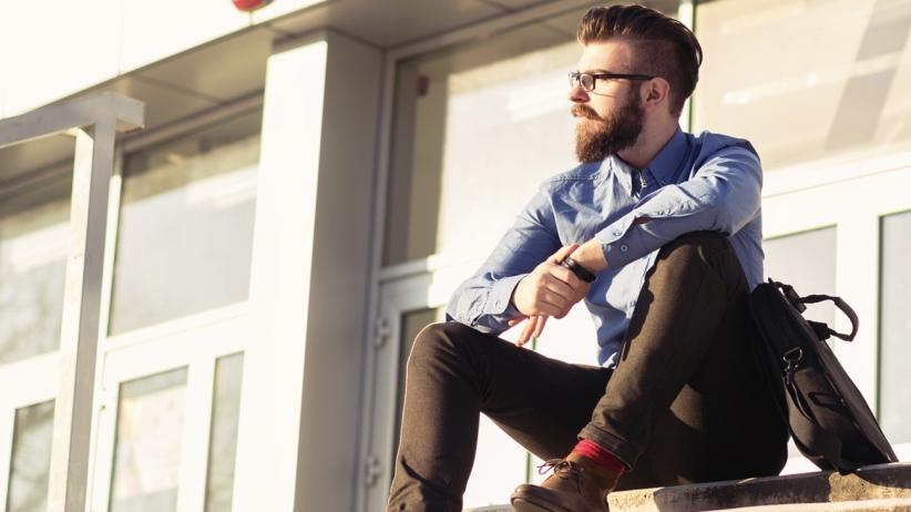 20150401190918-millennials-hipster-dressed-looks-stairs-sitting-entrepreneur-fashion
