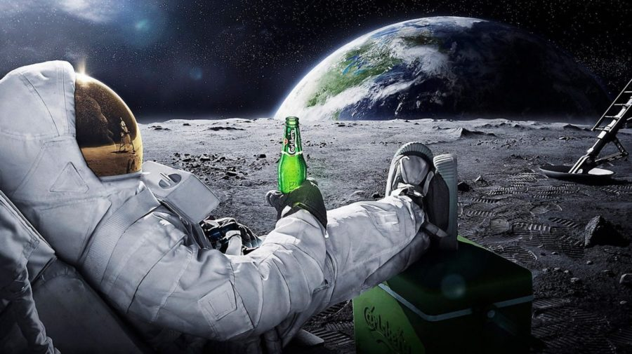 Astronaut-Drinking-Carlsberg-on-Moon-HD-Desktop-Wallpaper