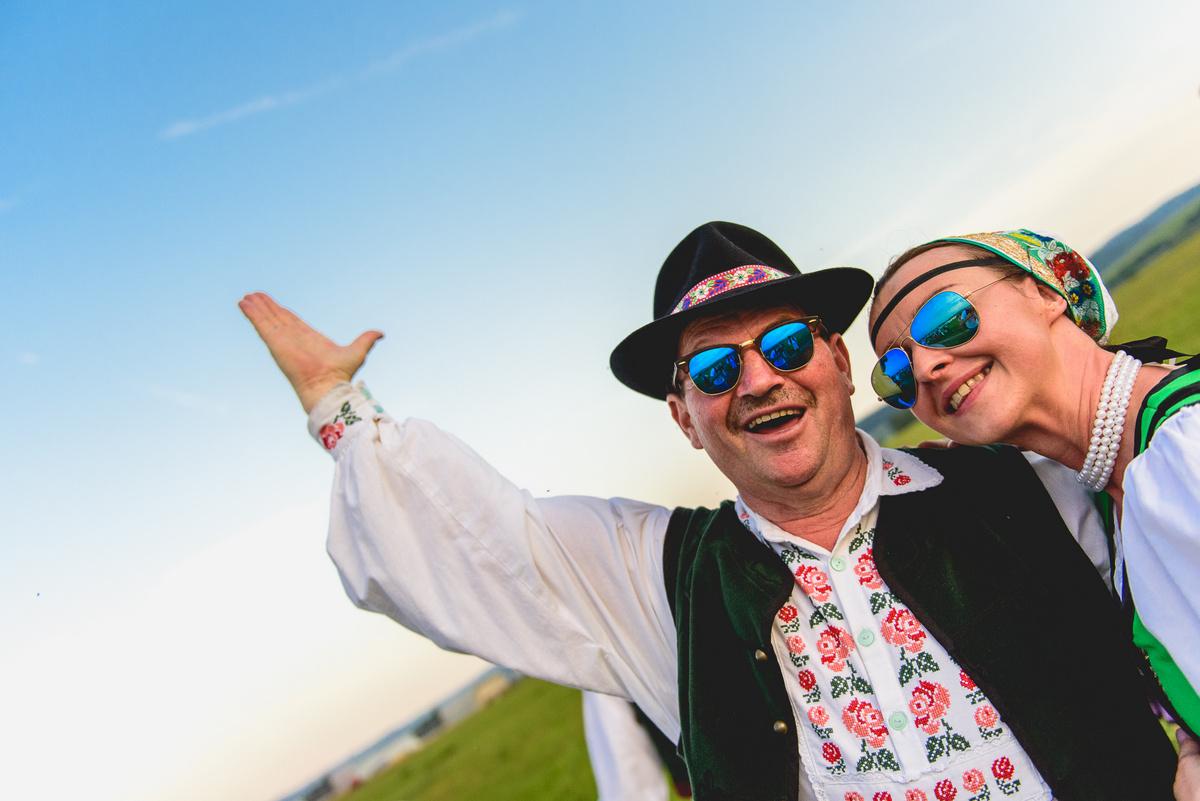Nie sú Slováci na nákup okuliarov cez internet príliš konzervatívni  Kúpa dioptrických  okuliarov sa totiž spája s vyšetreniami u očného lekára a návštevou ... 091a404681