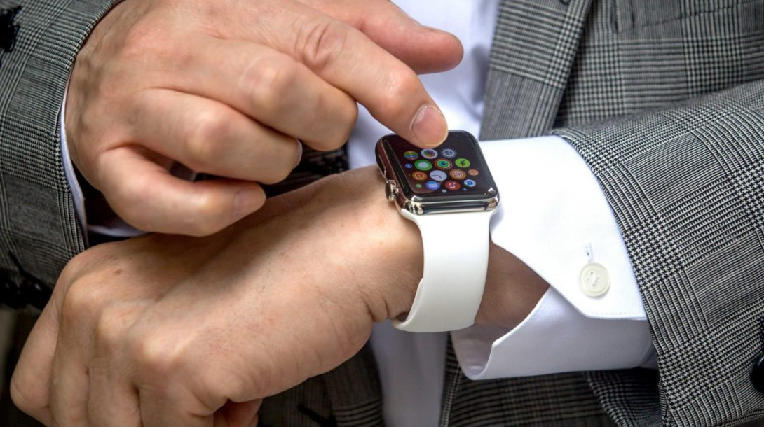 a-flaw-in-the-apple-watch-leaves-it-absurdly-vulnerable-to-thieves