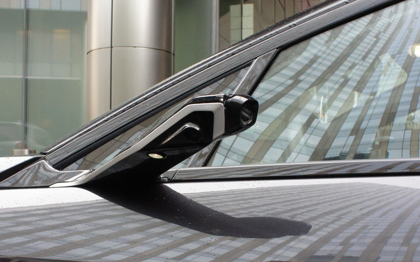 BMW spatne zrkadla