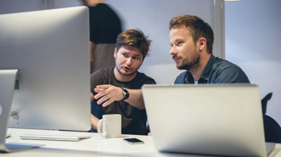 guys-developers-discussing-work