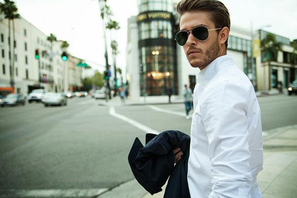 handsome-man-wearing-sunglasses