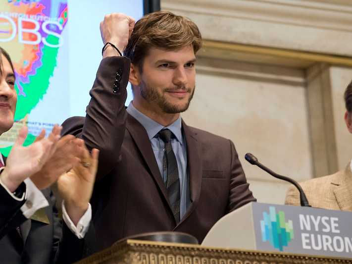 how-ashton-kutcher-finds-startups-like-airbnb-and-spotify-to-invest-in