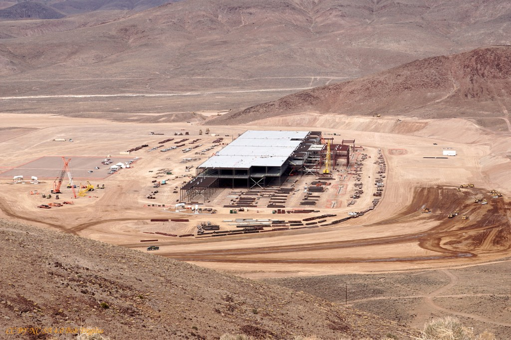 tesla-gigafactory-construction