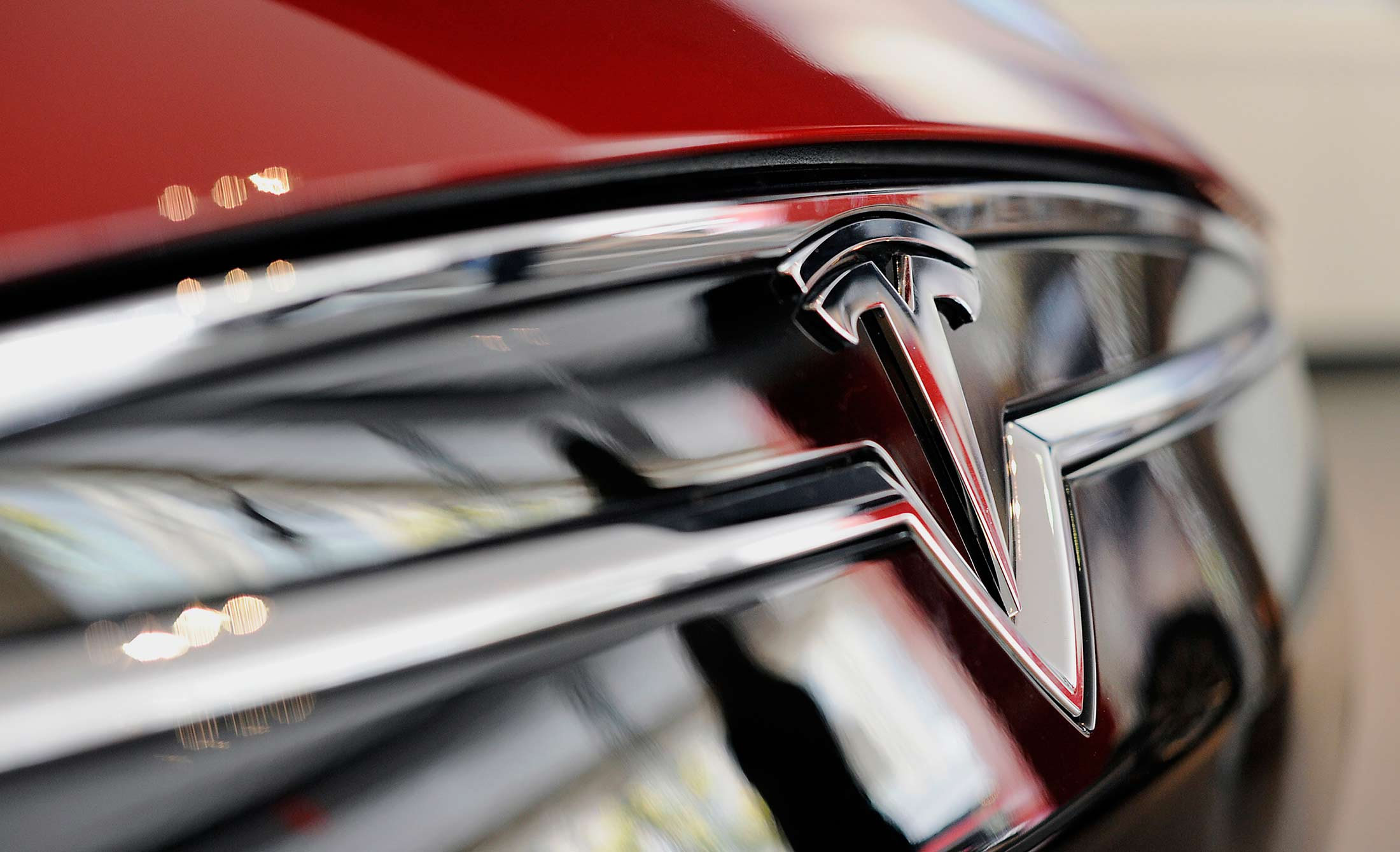 Tesla Revamps Stores Worldwide As It Prepares For Model X Debut