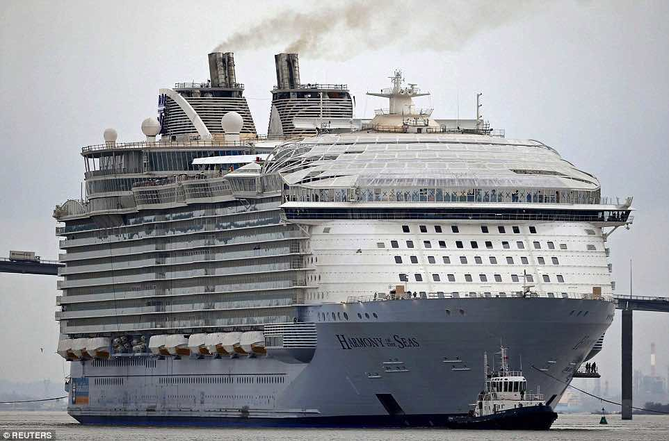32232B9800000578-3489643-Size_Harmony_Of_The_Seas_is_330ft_longer_than_the_Titanic_and_is-a-1_1457844210792