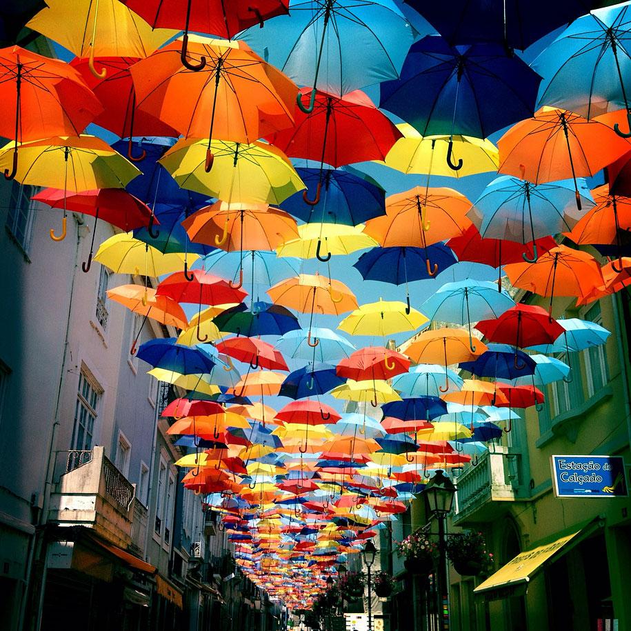 floating-umbrellas-agueda-portugal-2013-5