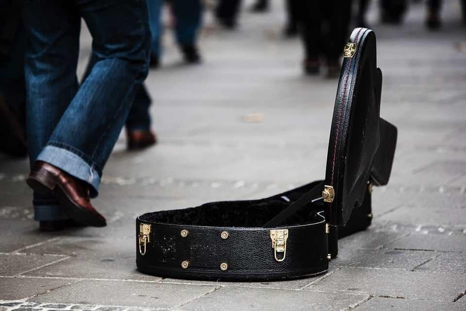 guitar-case-485112_960_720