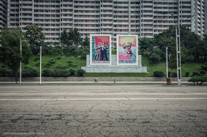 i-took-and-smuggled-these-out-of-north-korea-illegal-photos-kim-doesnt-want-you-to-see-27__880