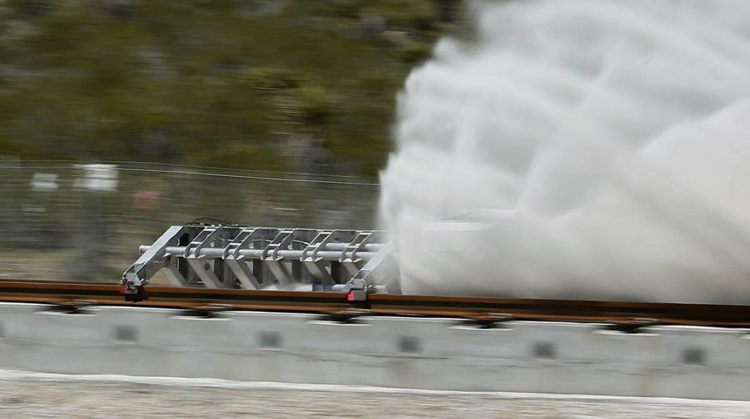 160511-hyperloop-mn-1650_cd5e2ccfe3dc78cf658e69ff16641f70.nbcnews-fp-1200-800