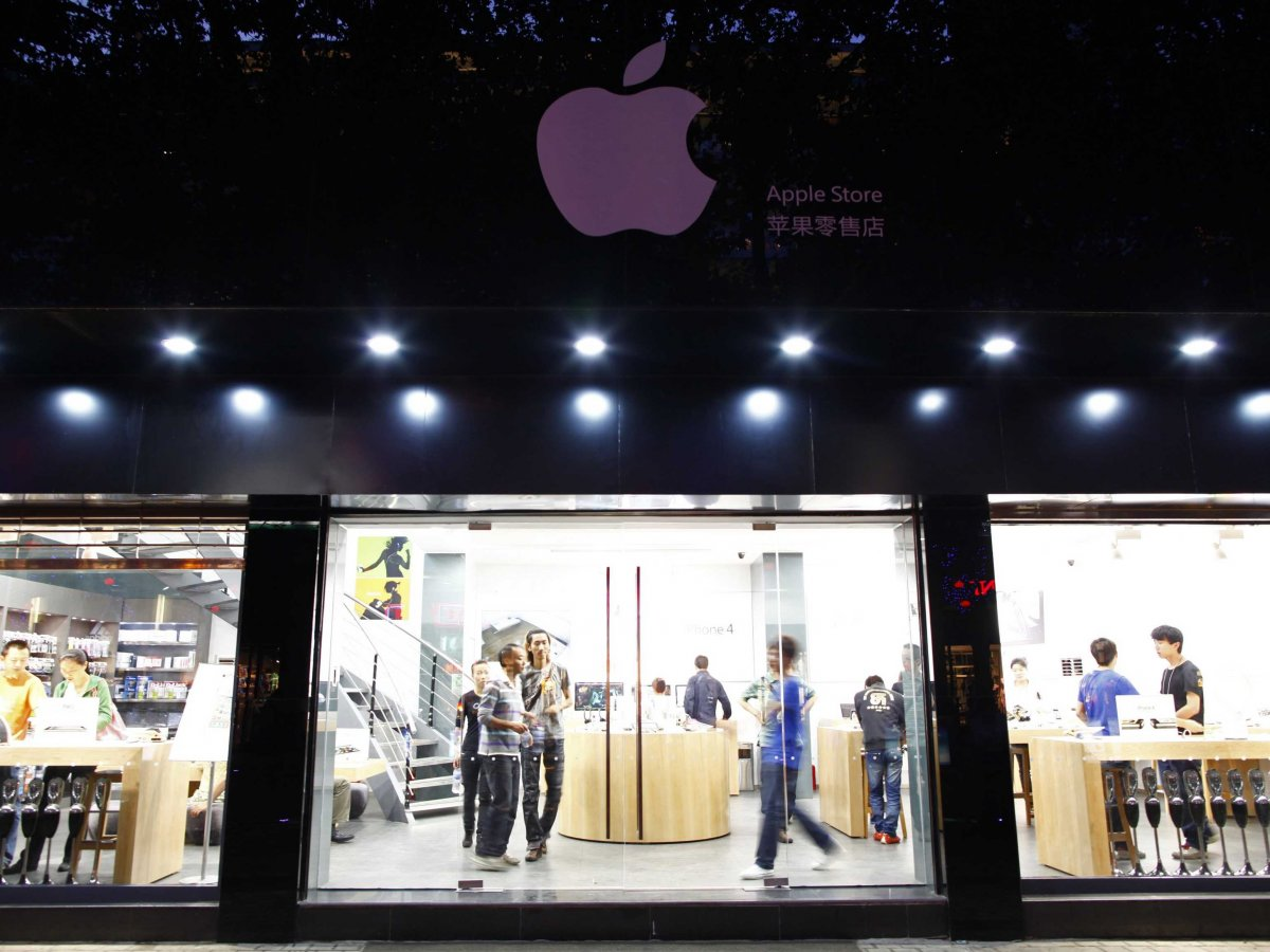 it-isnt-just-fake-apple-devices-that-have-been-ripped-off-there-have-been-entire-fake-apple-stores-too