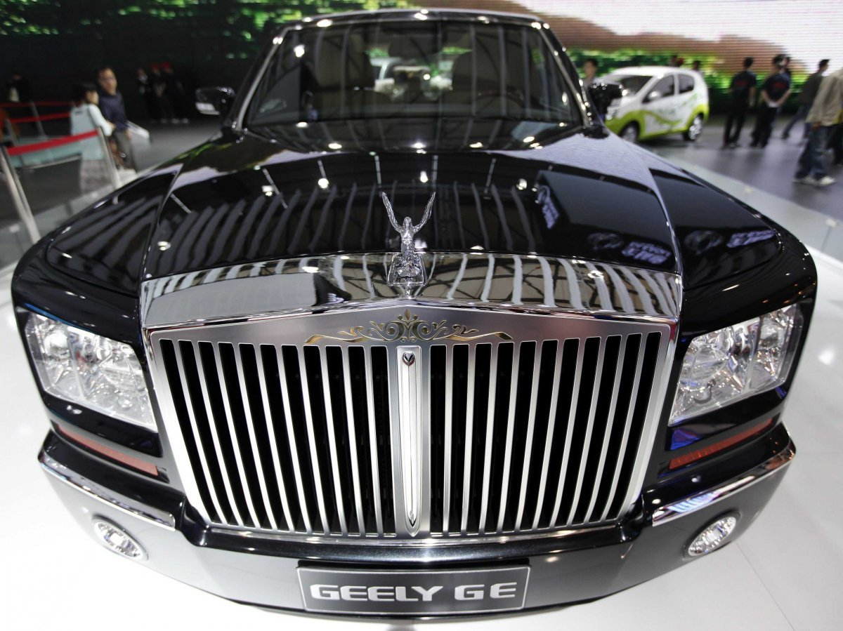 -while-the-geely-ge-looks-like-a-rolls-royce-phantom