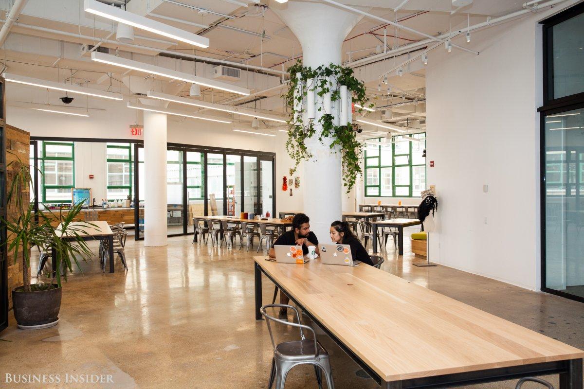 9f9402e1f09cf Etsy má naozaj jedny z najkrajších kancelárii, aké si kedy videl
