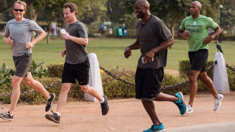 Mark-Zuckerberg-wants-us-to-run-a-mile-a-day-in-2016-but-hes-doing-it-wrong