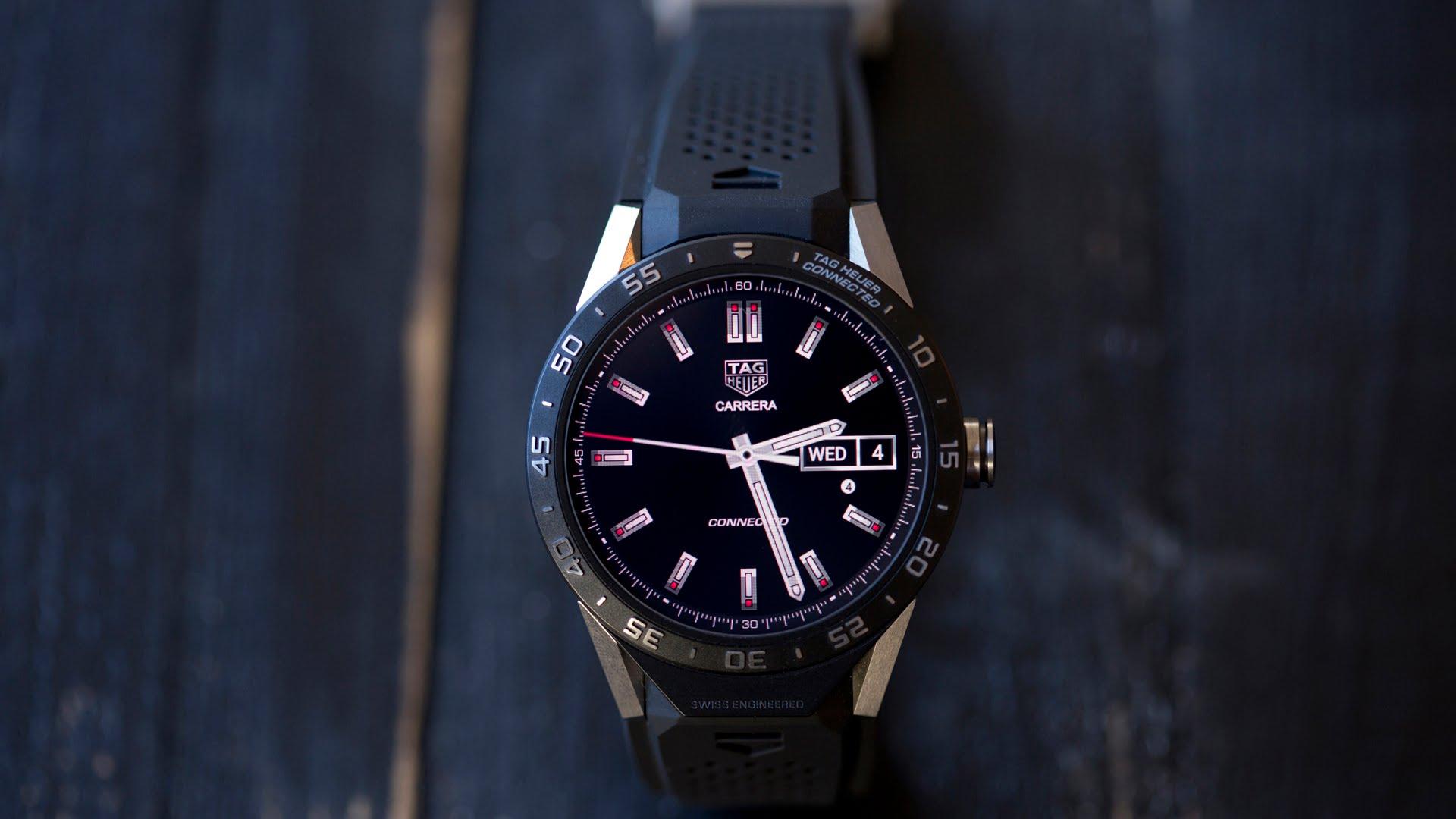 a4e232c8d Švajčiarska spoločnosť, známa luxusnými hodinkami, predstavila svoje prvé  smart-hodinky, ktoré oznámila ešte pôvodne v novembri.