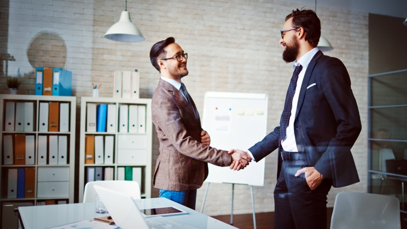 20150722171430-handshake-partner-team-work