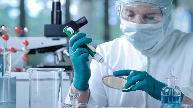620200-scientist-in-lab-thinkstock