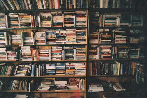 books-hipster-indie-library-Favim.com-2257389