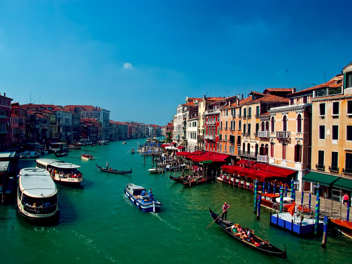 known-for-its-romantic-gondola-rides-the-city-of-venice-italy-has-been-sinking-for-years-and-severe-floods-have-recently-become-more-common