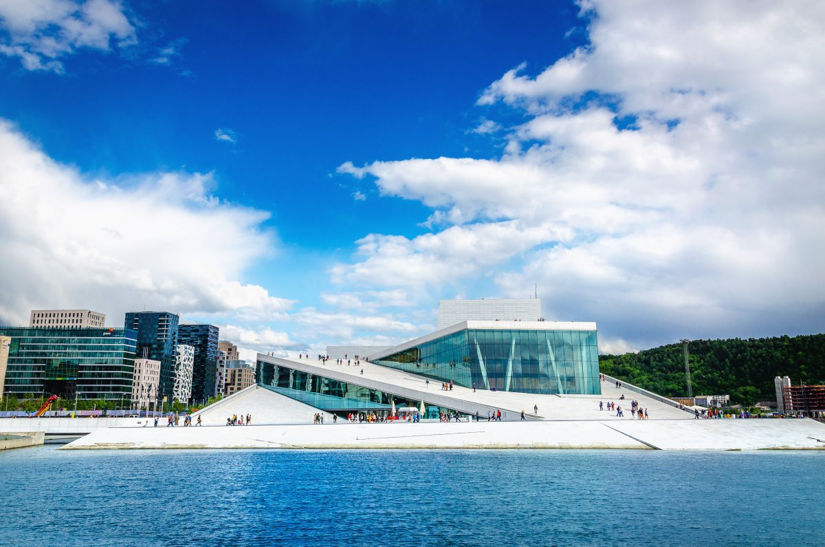 20-the-sleek-opera-house-in-oslo-is-made-up-of-a-maze-of-1100-rooms