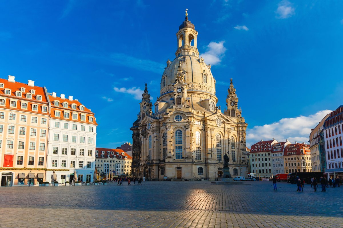 22-the-frauenkirche-in-dresden-was-destroyed-during-world-war-two-but-its-beautiful-restoration-was-completed-in-2004