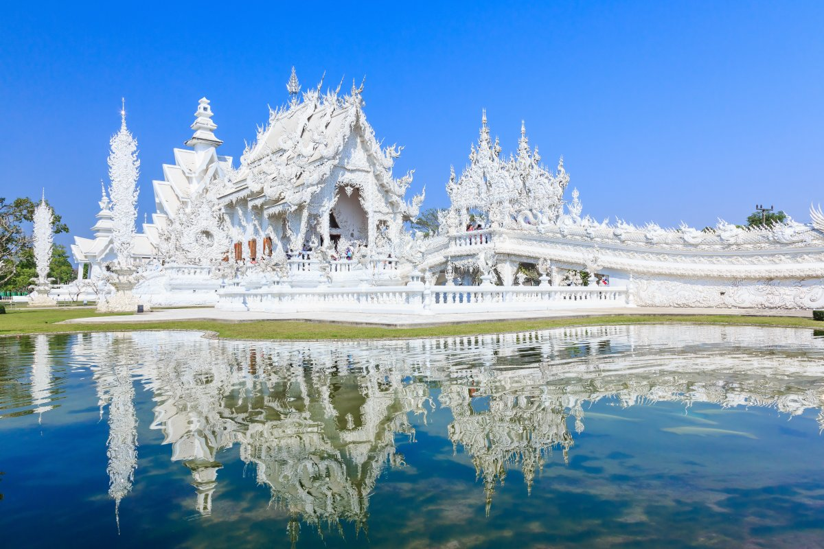 3-find-peace-at-wat-rong-khun-also-known-as-the-white-temple-in-northern-thailand