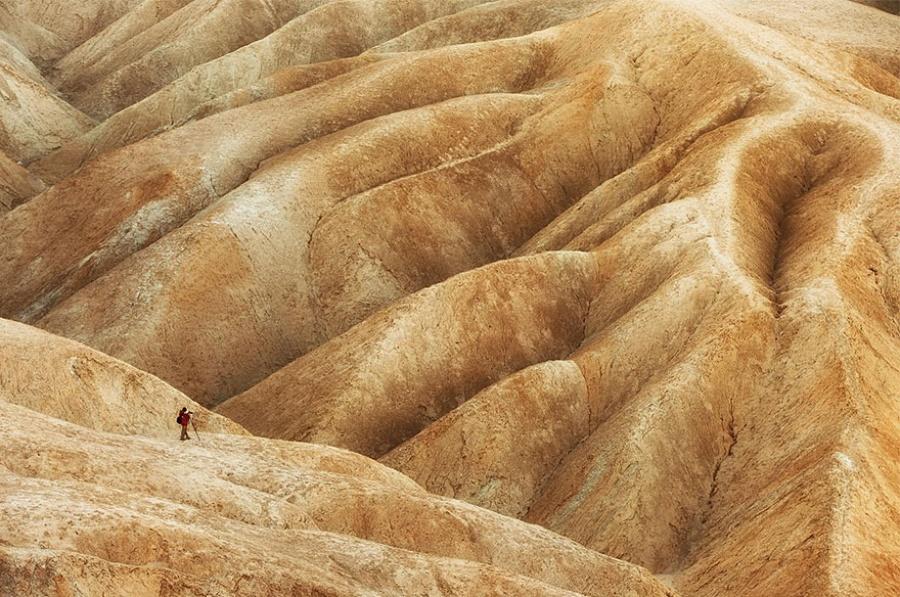 345355-900-1457516229-small-man-grand-nature-landscape-photography-65