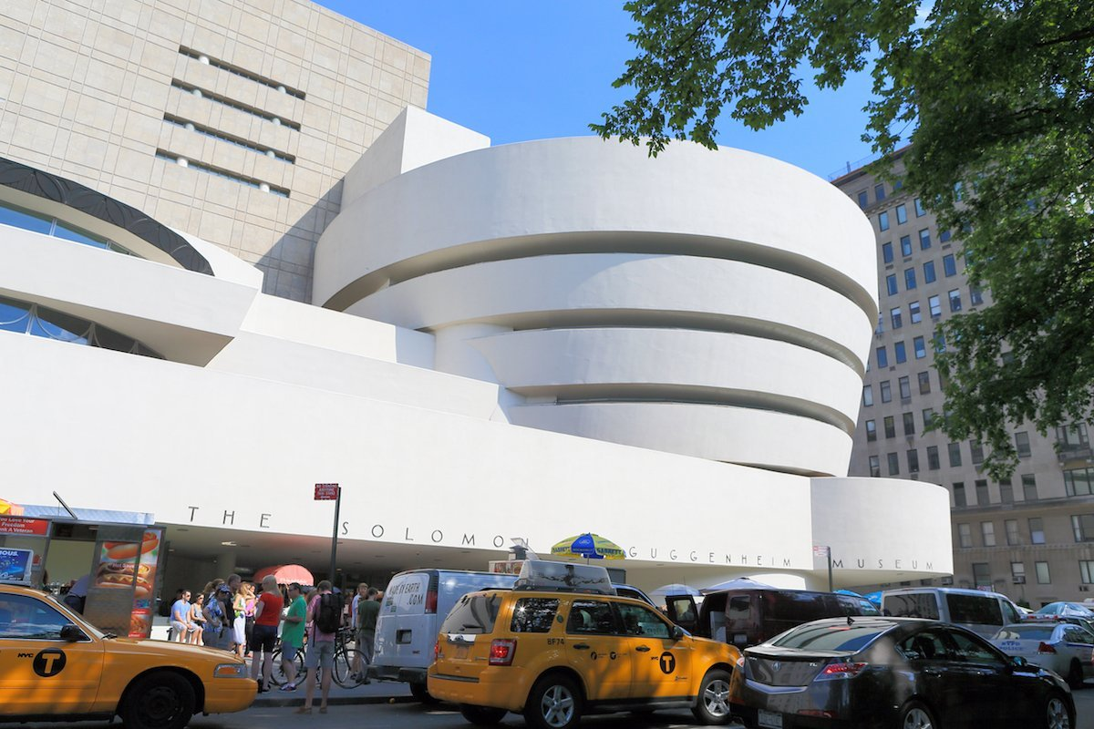 41-the-cylindrical-shape-of-the-iconic-solomon-r-guggenheim-museum-designed-by-frank-lloyd-wright-certainly-makes-an-impression-in-new-york-citys-upper-east-side