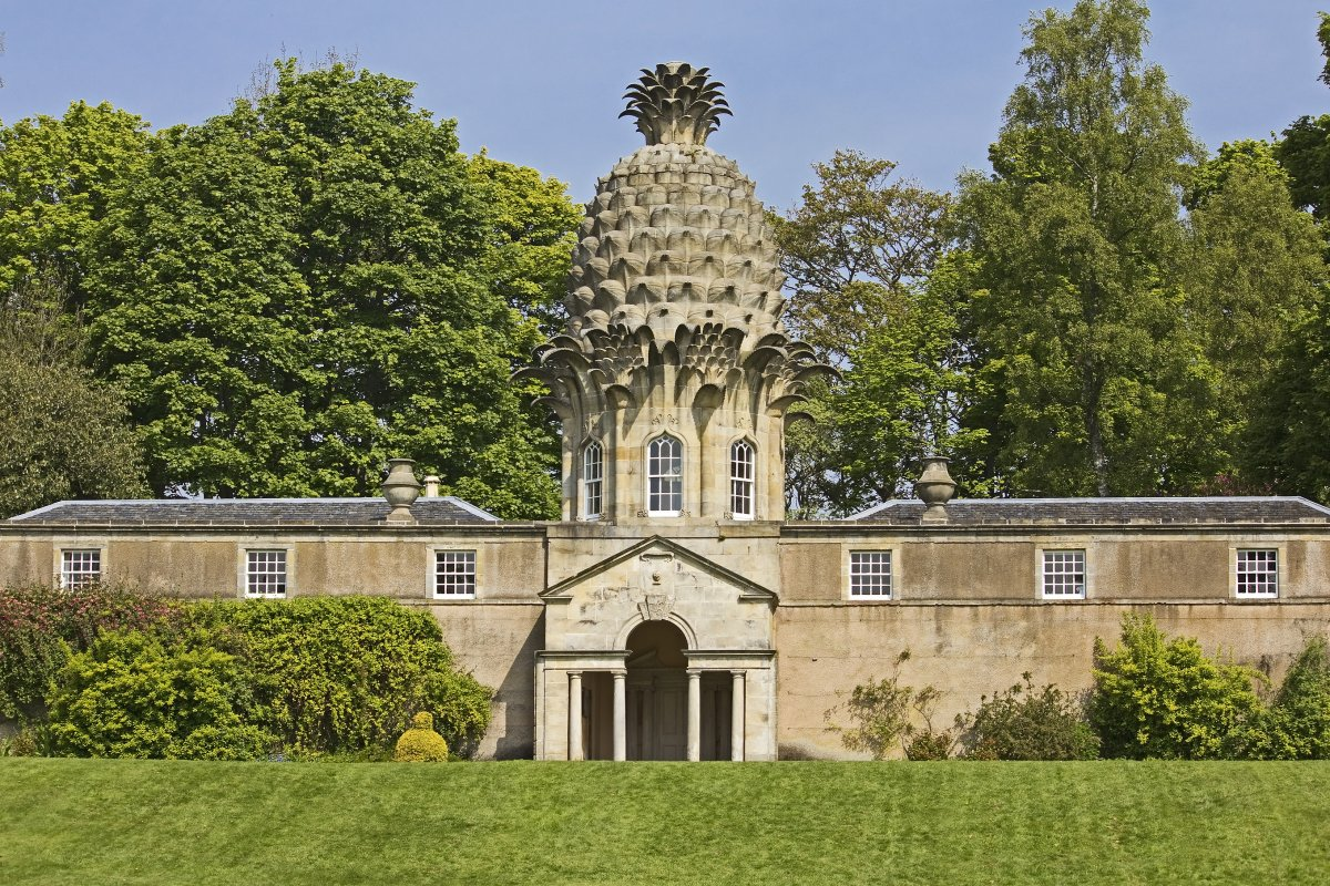 96-the-playful-dunmore-pineapple-building-in-scotland-has-been-entertaining-visitors-since-its-creation-in-1761