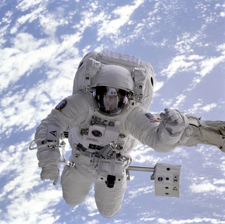 astronaut-11050_960_720