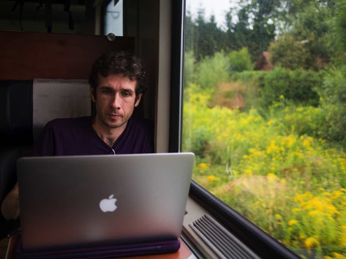simon_working_train_austria