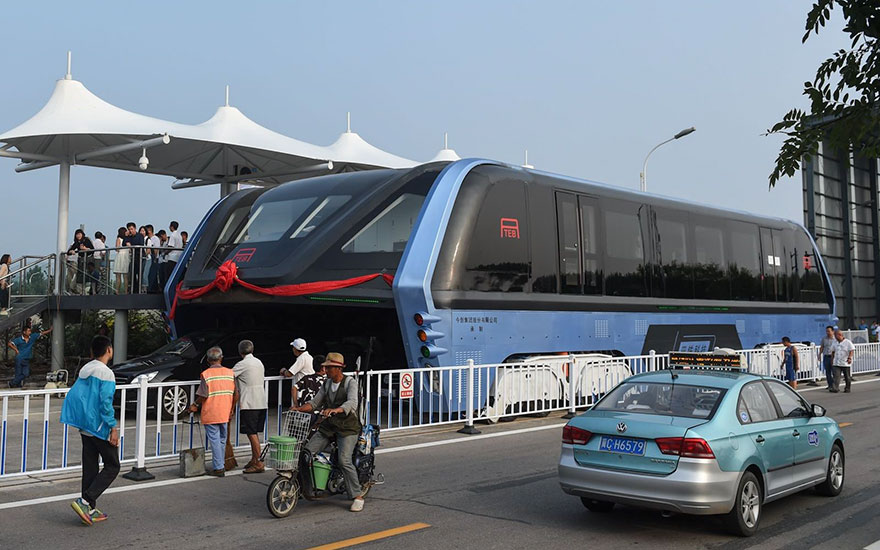 transit-elevated-bus-first-test-ride-qinhuangdao-china-1
