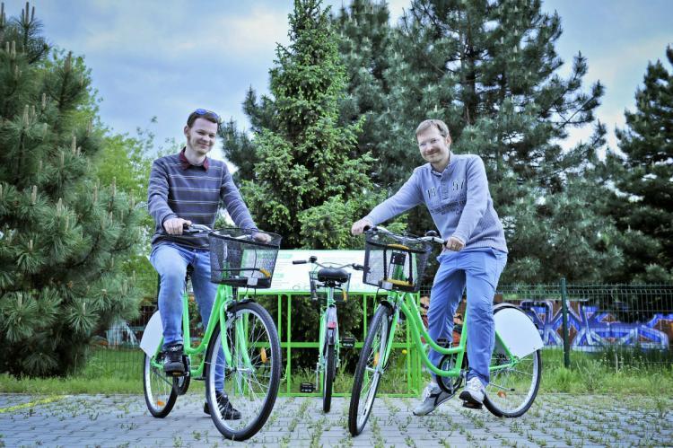 Zeleny_bicykel_zakladatelia