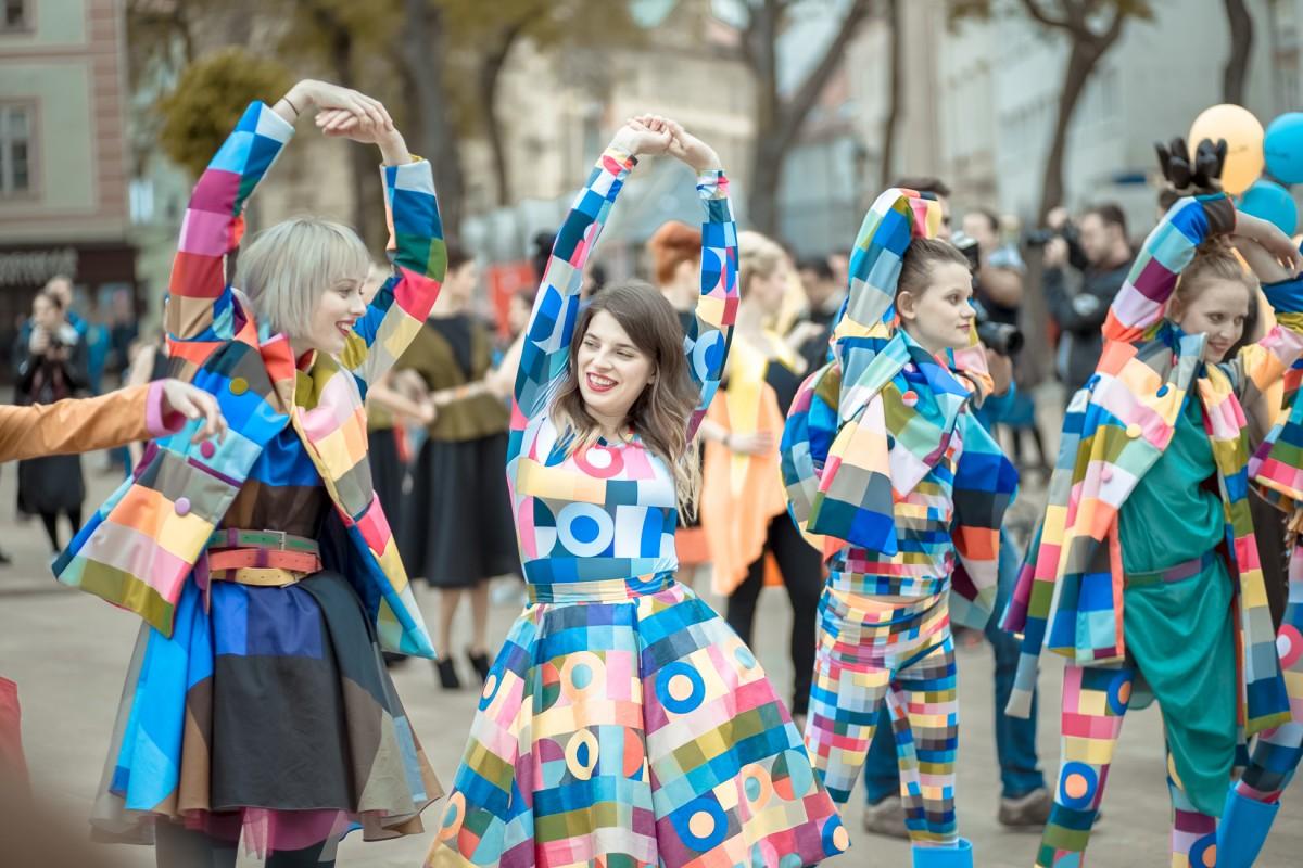 colorcode-colorcode_na_fashion_mars_2015-nh2hy05evq