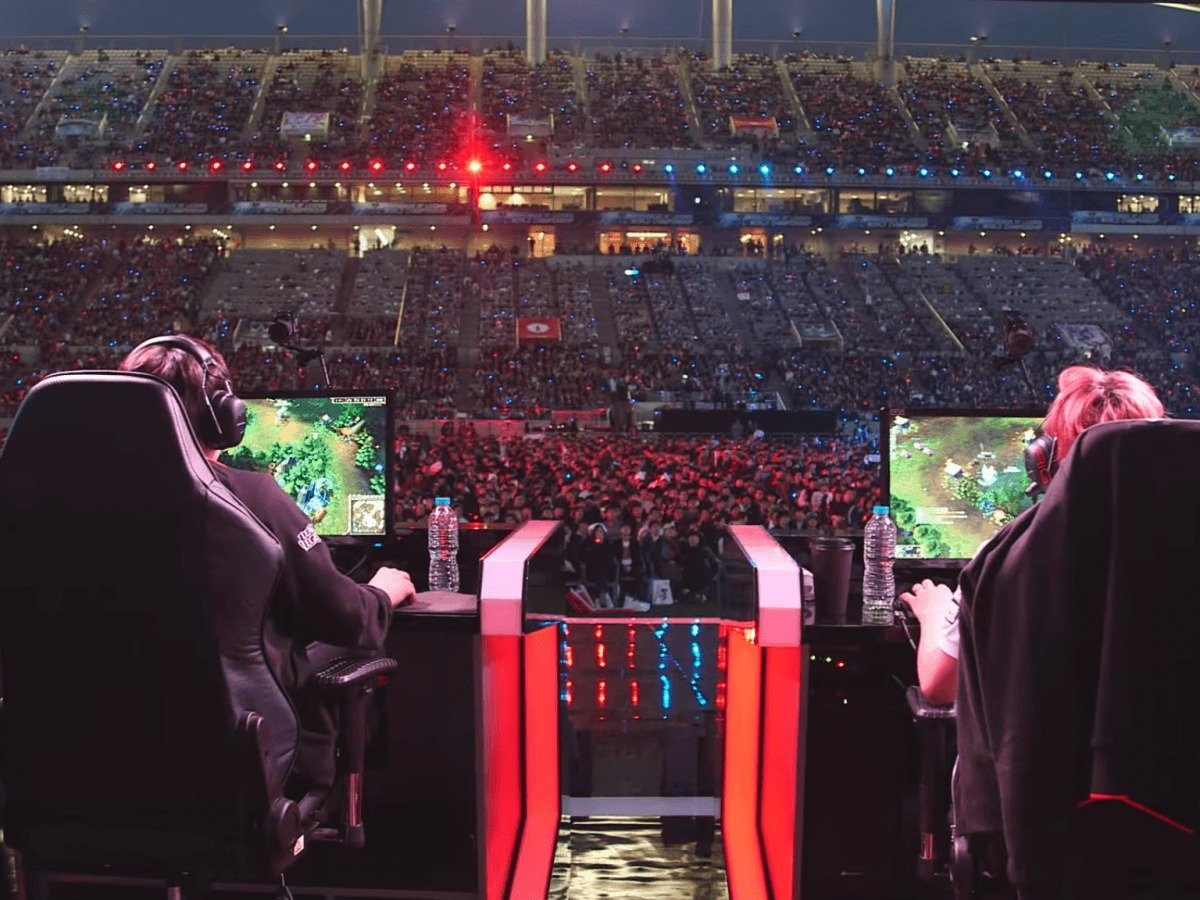 league-of-legends-is-one-of-the-worlds-most-popular-games-which-has-tournaments-for-millions-in-real-cash-the-uci-team-will-have-the-5-scholarship-students-on-it-along-with-5-others-who-will-try-out