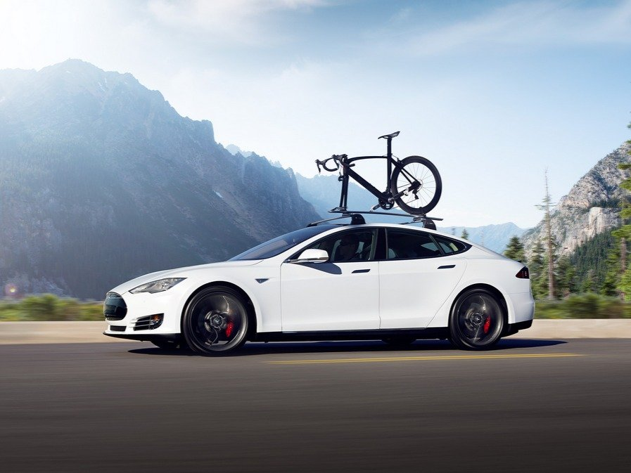 tesla-offered-three-new-versions-of-the-model-s-in-early-2015-the-70d-90d-and-p90d-the-p90d-is-worth-paying-attention-to-because-of-its-coveted-ludicrous-mode