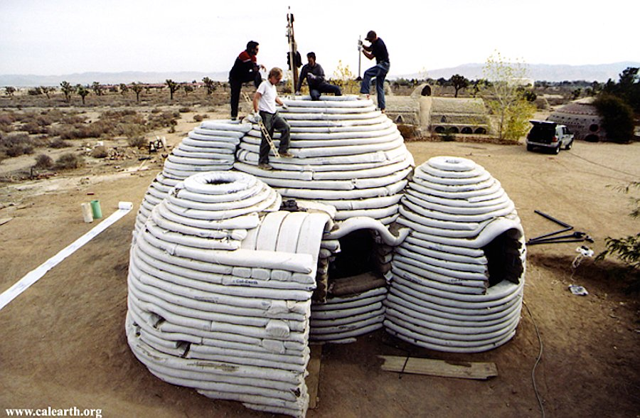 calearth-disaster-proof-eco-shelter-11