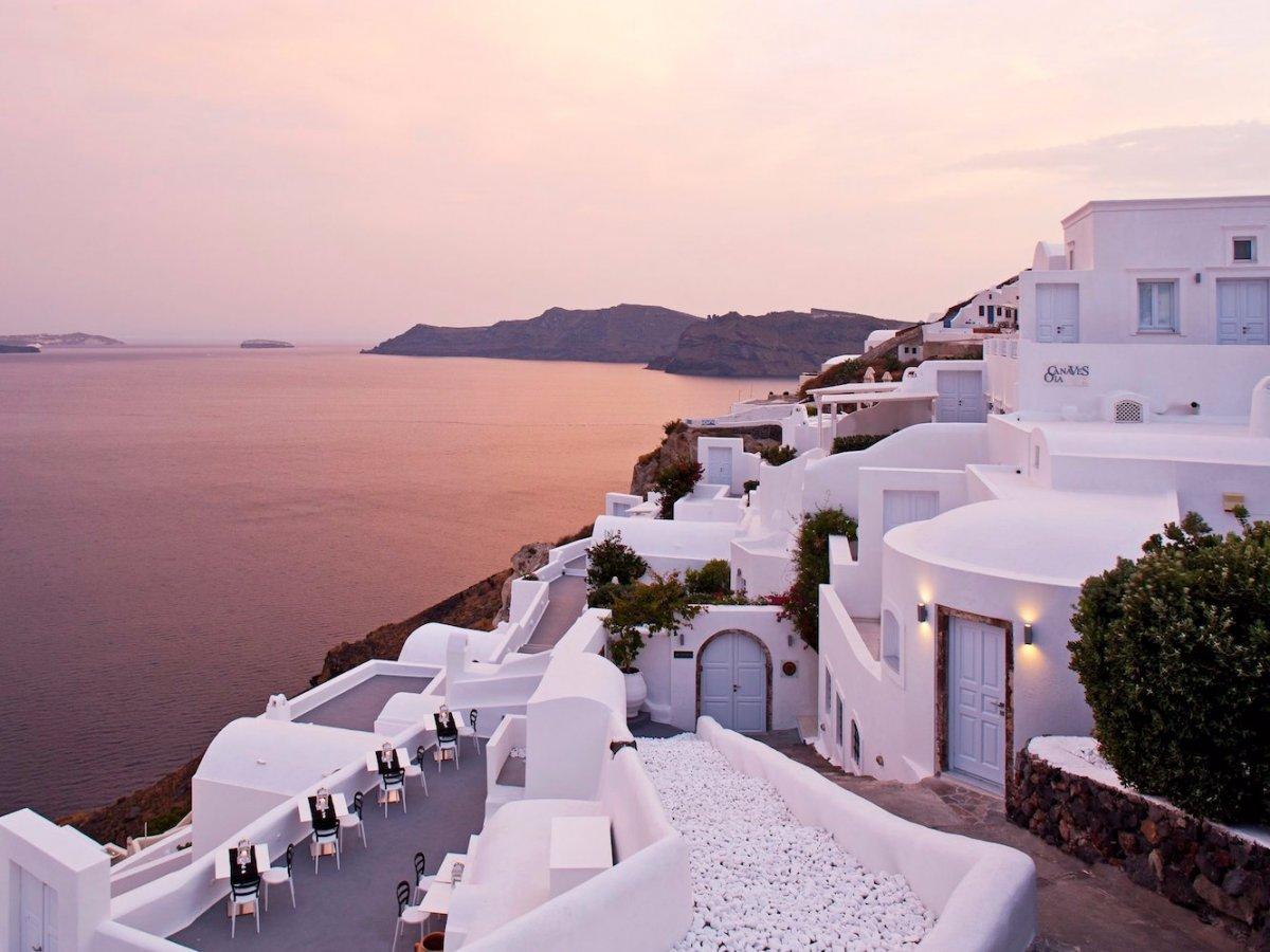 12-canaves-oia-santorini-greece