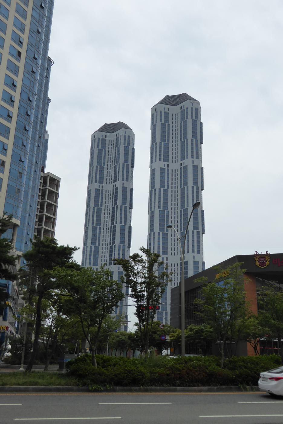 Výškové obytné domy v štvrti CentumCity