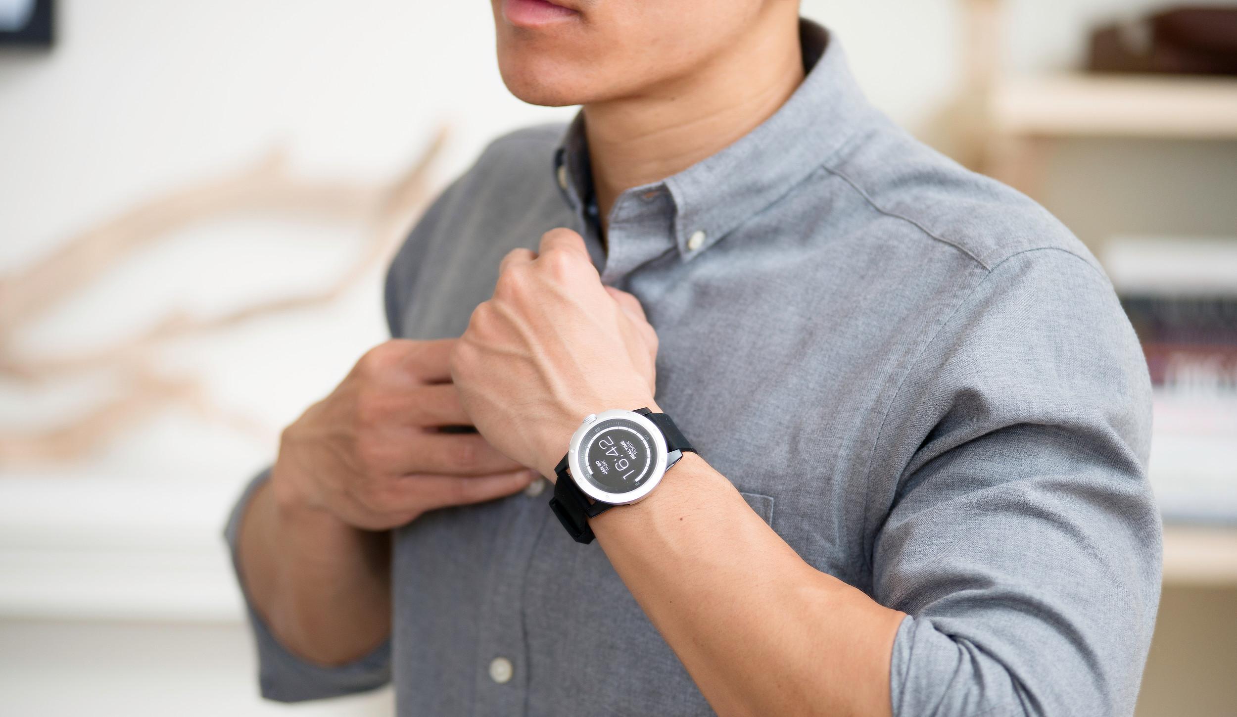 f91799c2802f Tieto smart hodinky nemusíš dobíjať. Idú na ľudské teplo