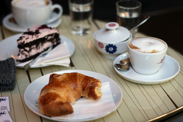 breakfast-cake-coffee-croissant-food-favim-com-198976