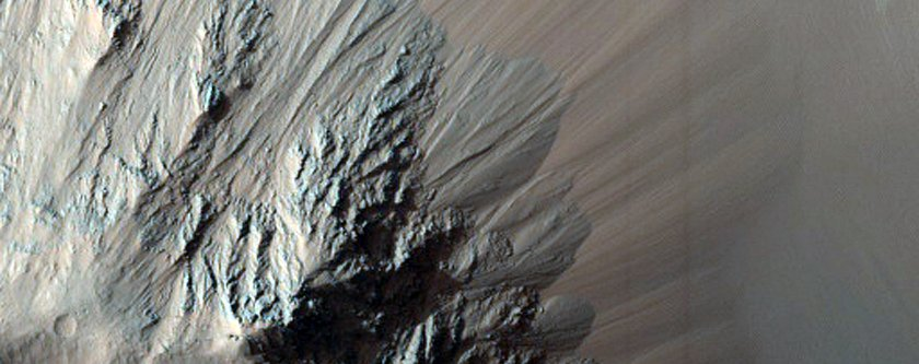 eos-chasma-is-part-of-valles-marineris-the-largest-canyon-on-mars