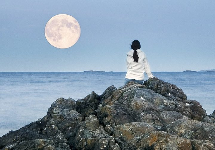 full-moon-451605_960_720