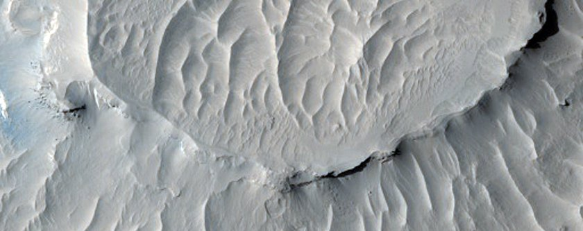 layers-in-martian-buttes-found-in-a-region-called-west-arabia